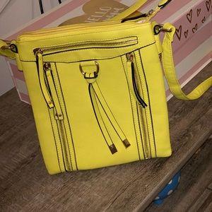 Yellow detailed crossbody bag
